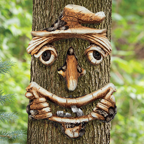 Scarecrow Face Tree Hugger