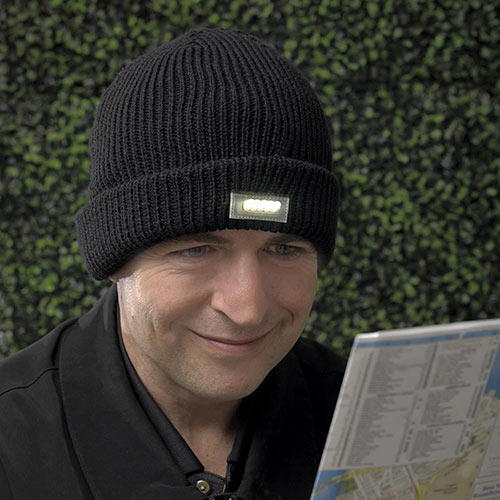 Knit Hat with LED Light - Black