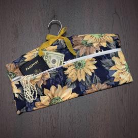 Hanging Closet Safe With Zipper Pocket