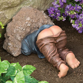 Little Digger Gnome Garden Statue