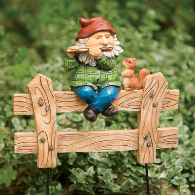 Gnome On Fence