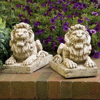 Regal Lion Statue Pair
