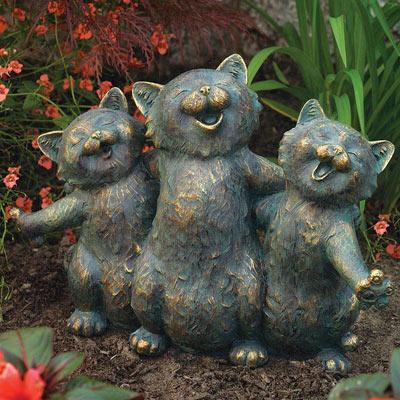 Cat Serenade Statue
