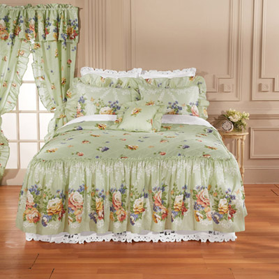 Sage Floral Quilted Bedspread & Accessory