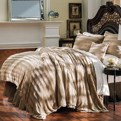 Luxury Faux Fur Blankets & Accessories