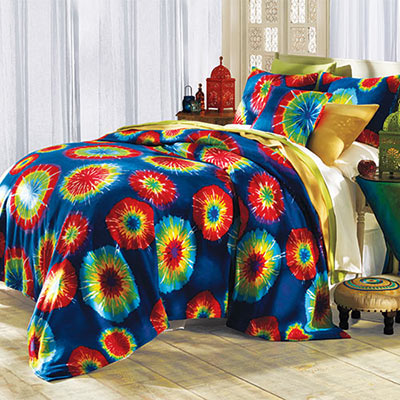 Tribeca Tie-Dyed Fleece Blanket & Accessories